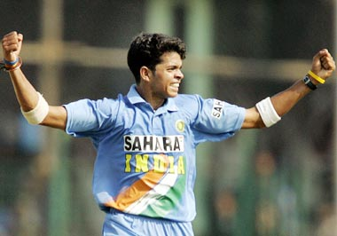 http://specials.rediff.com/cricket/2005/nov/03cric2.jpg