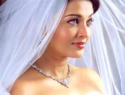 Noivas e vestidos deslumbrantes ..penteados ..joiasn ( ou por ai perto ) 29sld1