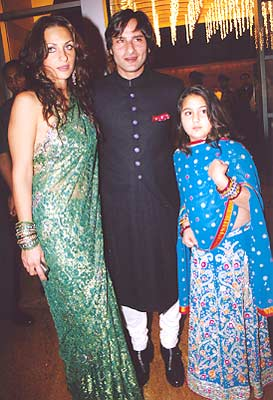 Dilip Ar Who Turned 82 Recently Arrived At The Wedding With His Wife Saira Banu