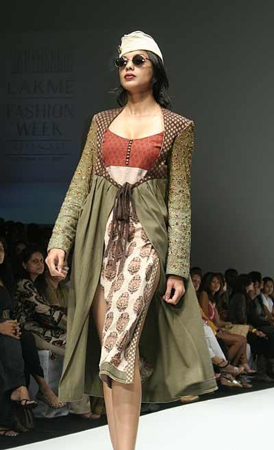 Lakme fashion week sabyasachi 28