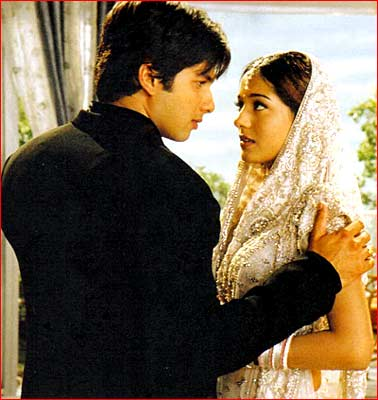 Amrita Rao and Shahid Kapoor in Vivah. Did you have to prepare specifically