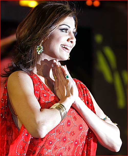 Shilpa Shetty wins Big Brother in UK