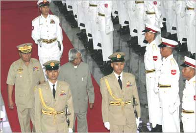File photo of Dr Kalam accompanied by Sr Gen Than Shwe inspecting a Guard of Honour at the Ceremonial Hall in Yagon.